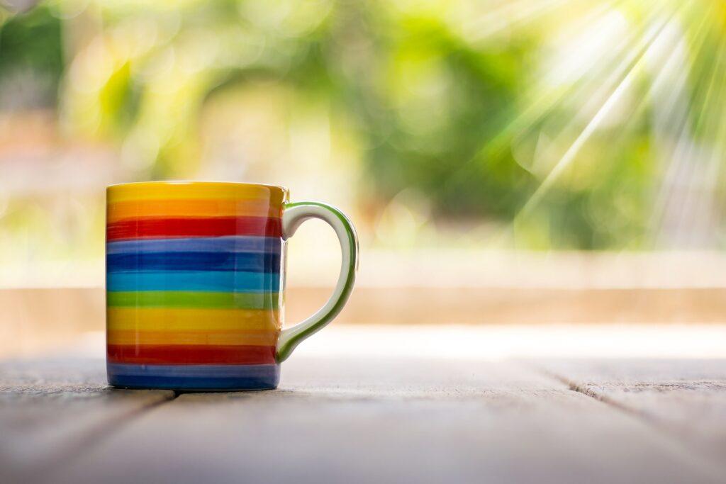 虹色コーヒーカップ